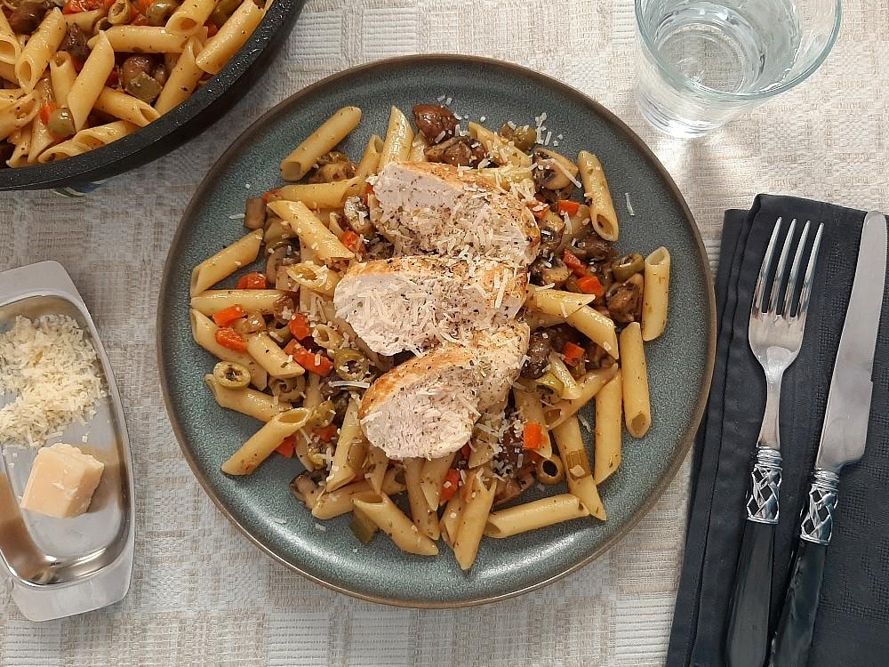 Italienische Jägerpasta mit Hähnchen und Champignons