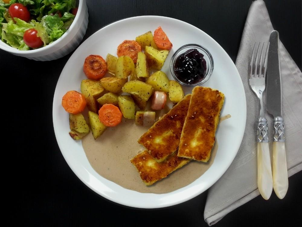 Tofuschnitzel mit Johannisbeeren-Sauce
