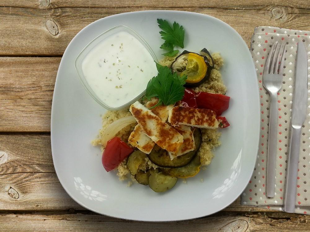 Vierlerlei Grillgemüse mit Halloumi, Couscous und Oregano-Joghurt