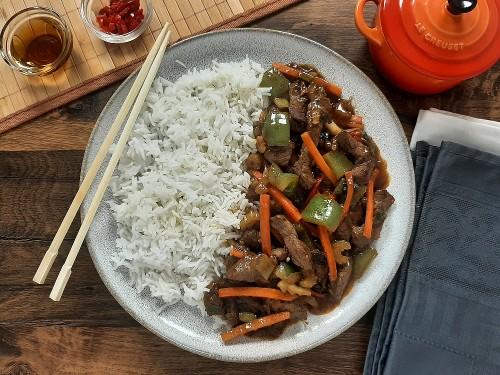 Asiatisches Rindfleisch Szechuan Art mit Basmatireis