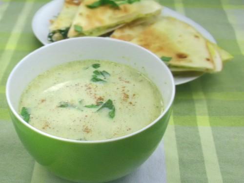 Brokkolisuppe mit Quesadillas