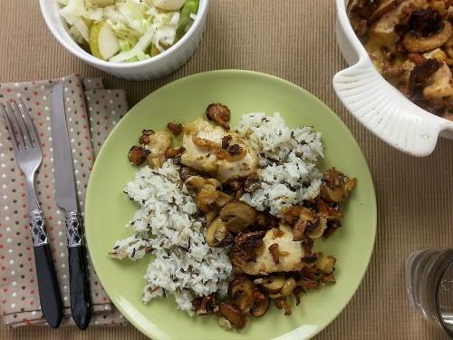 Hähnchenragout mit Pilzen zu Birnen-Kohl-Salat