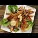 Fish n Chips mit Apfel-Curry-Dip und Pickles
